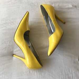 "Wet Seal Yellow Pointed Toe pumps 4"" heel size 8.5"